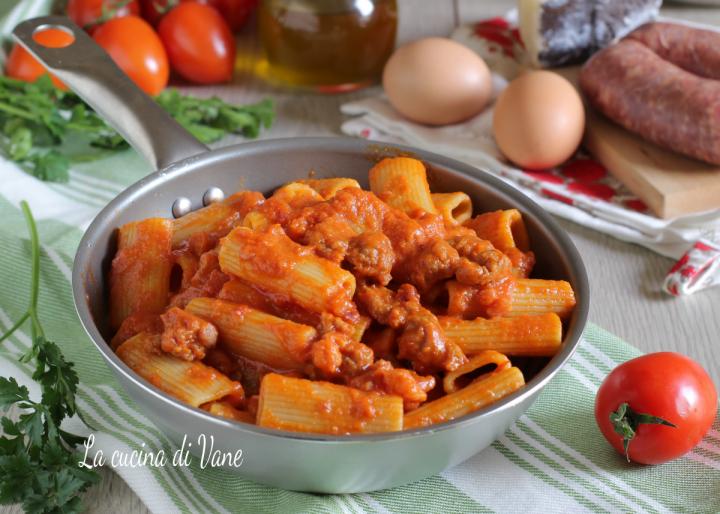 Pasta alla zozzona ricetta primo piatto della cucina romana for Cucina tipica romana ricette