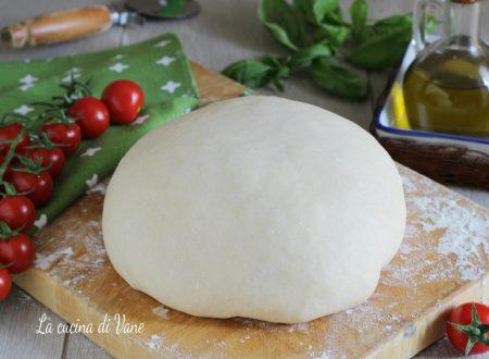 IMPASTO PER PIZZA-PASTA PER PIZZA-ricetta base