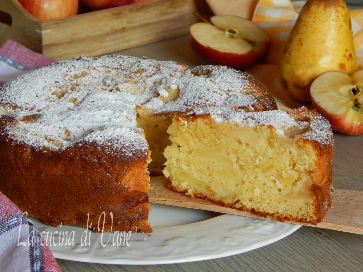 torta di mele e pere con mascarpone nell'impasto