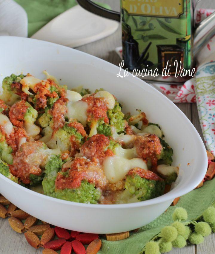 broccolo al forno filante con pomodoro e mozzarella