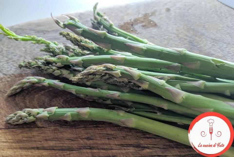 Tagliatelle al pesto di asparagi e branzino