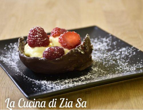 Ciotoline di cioccolata con crema della nonna bimby e frutta