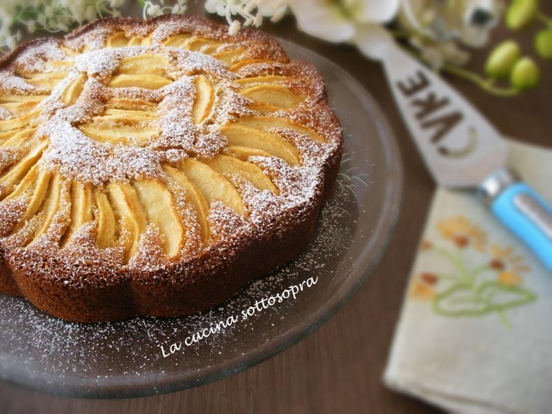 torta di mele agli agrumi e nocciole