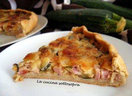 Torta salata con zucchine alla menta, prosciutto e mozzarella