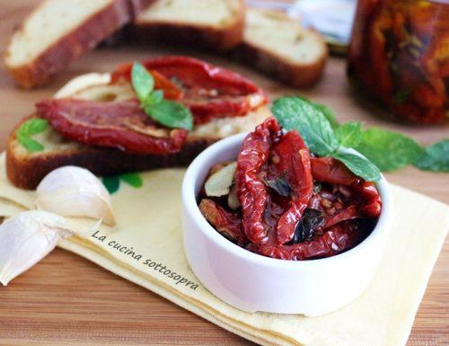 Pomodori secchi sott'olio – ricetta pugliese