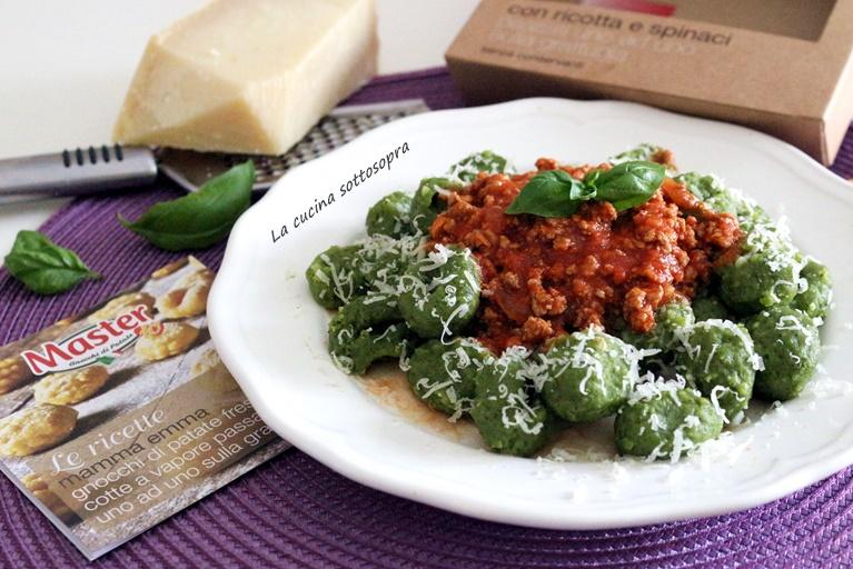 Gnocchi ricotta e spinaci con ragù veloce di carne