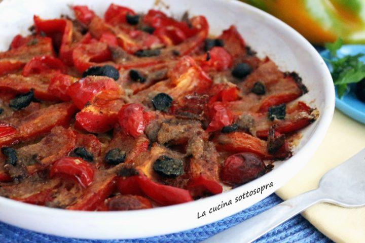 peperoni gratinati con alici e olive nere