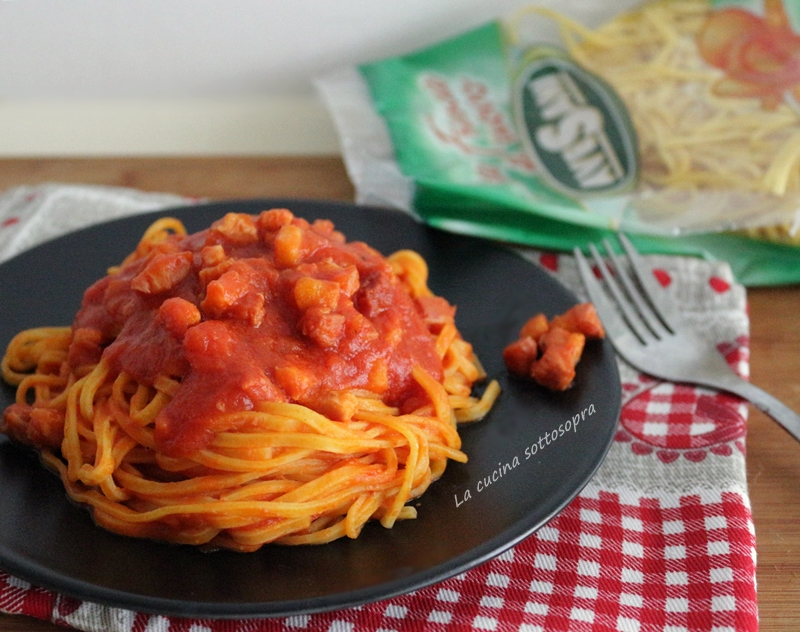 Tagliolini con sugo piccante alla pancetta affumicata