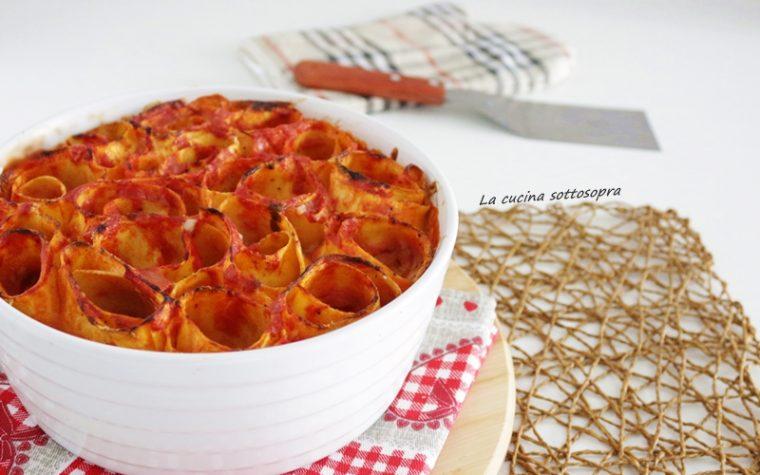 Nidi di lasagne pomodoro e mozzarella