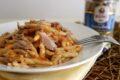 Pasta con pesto di pomodori secchi e tonno