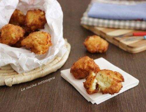 Frittelle di cavolfiore patate e scamorza