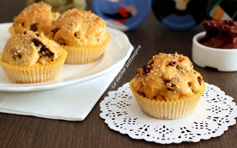 Muffin ai pomodori secchi e olive