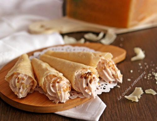 Cialde di parmigiano con mousse di prosciutto