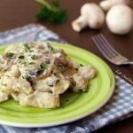 Straccetti di pollo cremosi con champignon