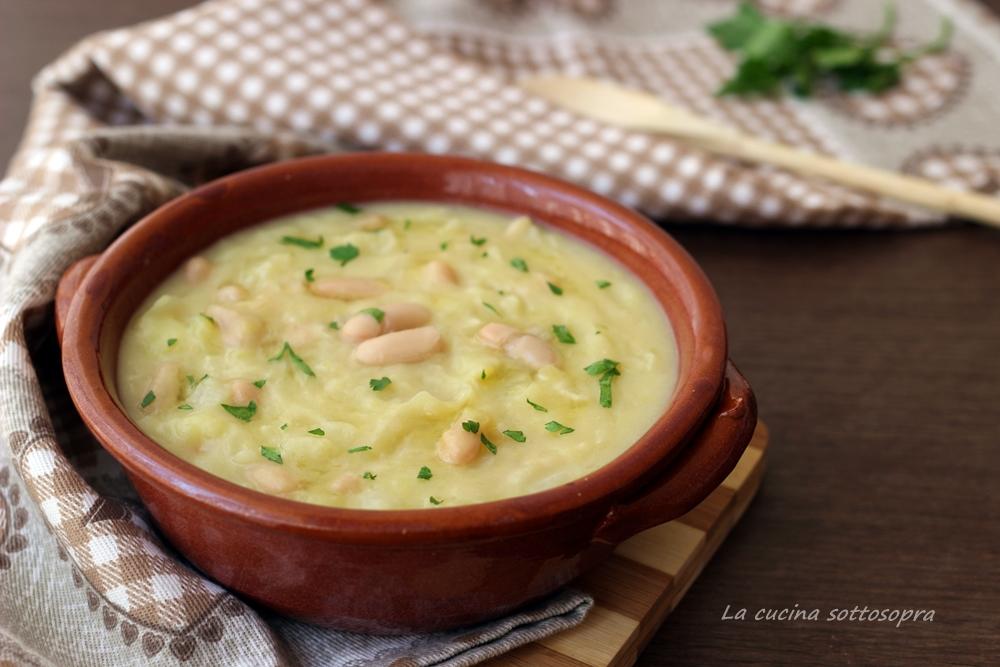Zuppa di patate cavolo e fagioli bianchi