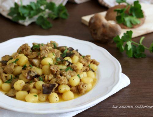 Gnocchi salsiccia e funghi allo zafferano – primo piatto veloce