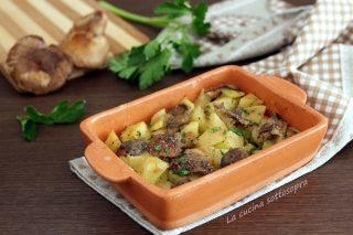 Contorno di patate e funghi al forno ricetta