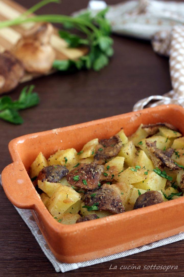 contorno di patate e funghi al forno