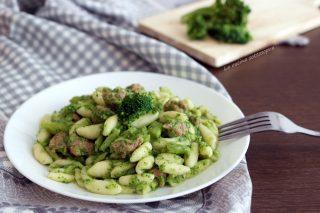 cavatelli salsiccia e broccoli ricetta