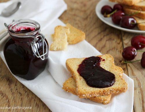Confettura di ciliegie – senza bucce