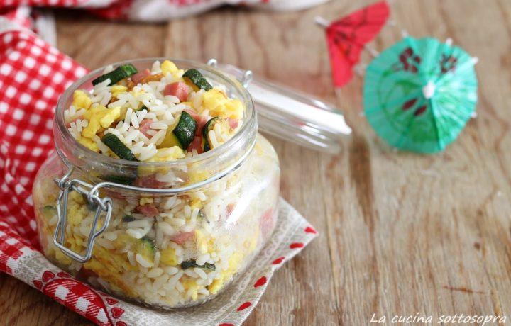 Insalata di riso con uova zucchine e prosciutto