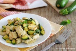 bocconcini di pollo con zucchine alla menta ricetta