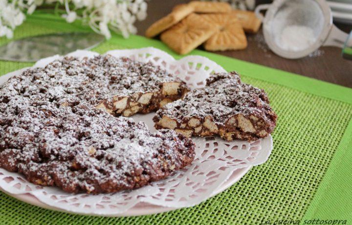 Torta croccante biscotti e cioccolato – senza cottura