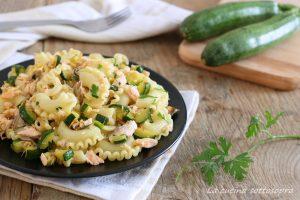 pasta fredda salmone e zucchine ricetta