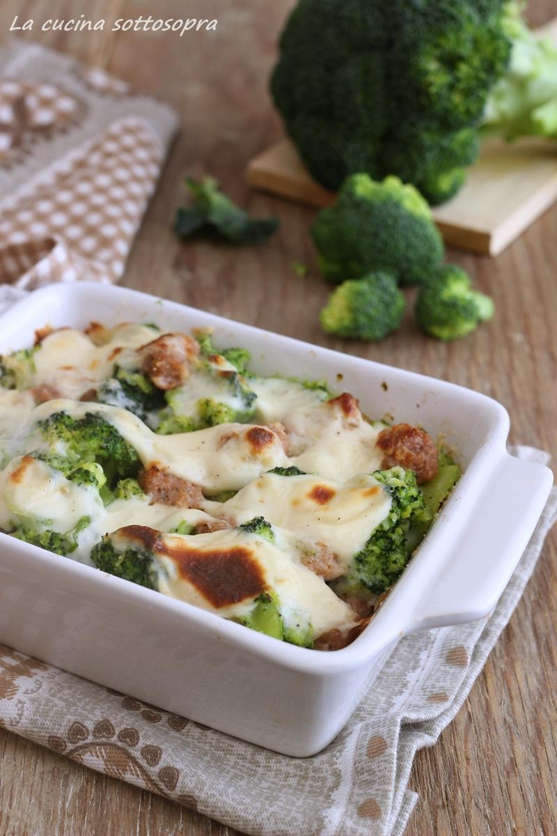 broccoli e salsiccia alla besciamella
