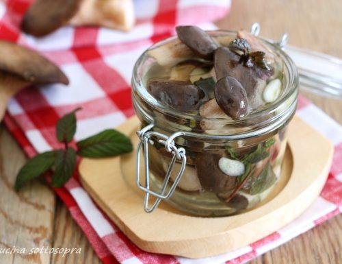 Funghi sott'olio aglio e menta – ricetta pugliese