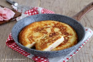 schiacciata di patate ripiena ricetta veloce