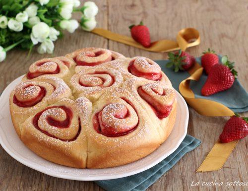 Torta di rose alle fragole con Bimby e senza Bimby
