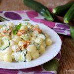 Gnocchi alle zucchine con fiori di zucca e crema di pecorino