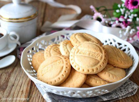 Biscotti agli albumi da colazione – senza burro e senza lattosio