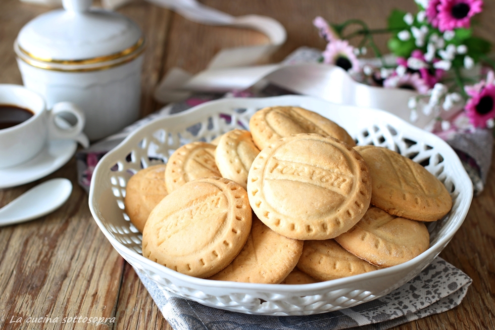 biscotti agli albumi da colazione ricetta del riciclo