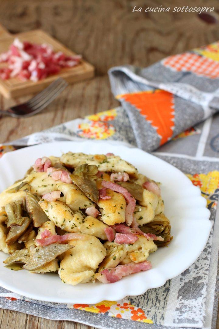 Petto di pollo carciofi e pancetta #secondipiatti #pettodipollo #carciofi #pancetta, ricco di gusto e sapori, facilissimo da preparare!
