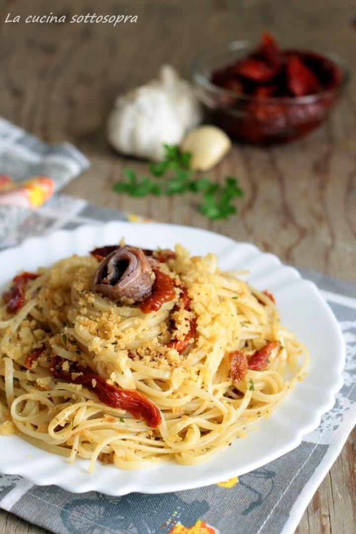 linguine con mollica e pomodori secchi, un #primopiatto veloce con #pomodori secchi #alici e mollica