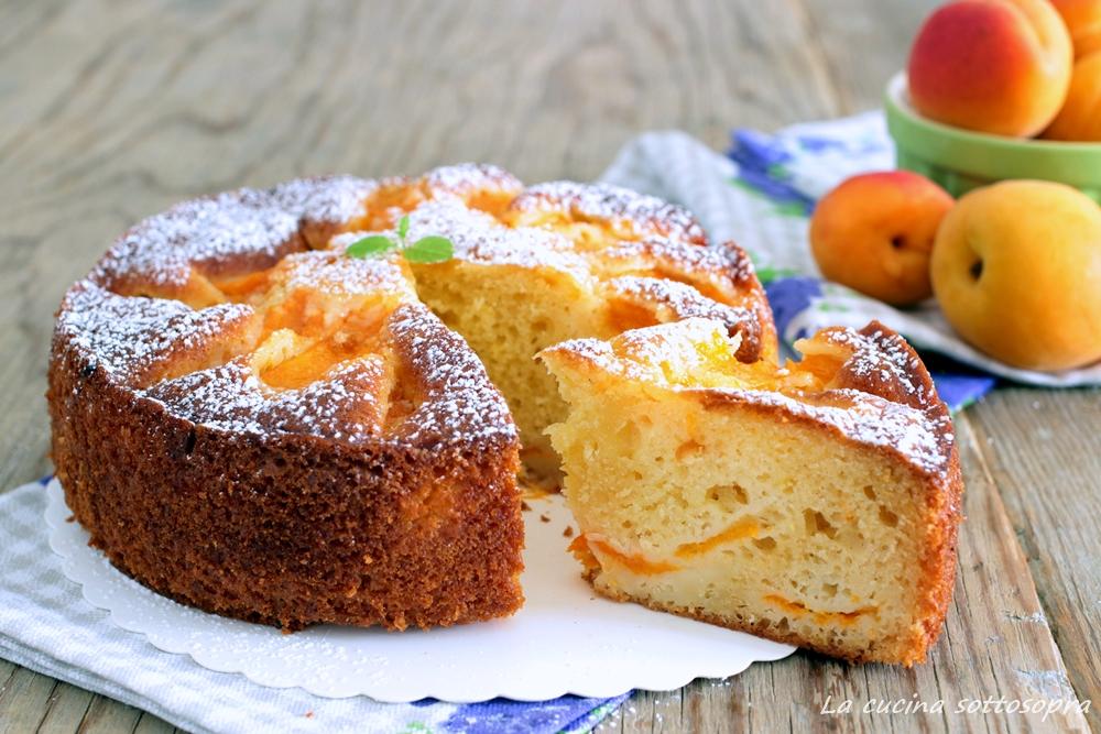 torta alle albicocche e limone morbida al mascarpone