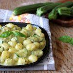 Gnocchi pesto zucchine e robiola