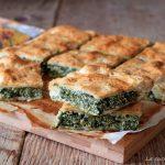 Torta salata con pasta sfoglia ricotta e spinaci
