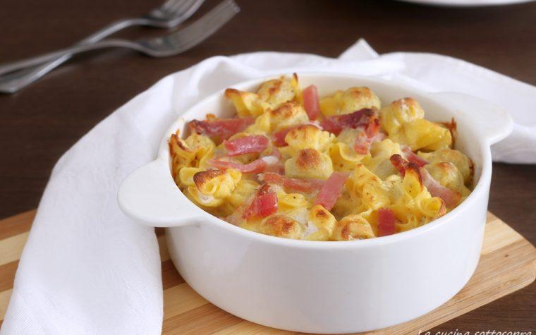 Tortellini al forno gorgonzola e speck