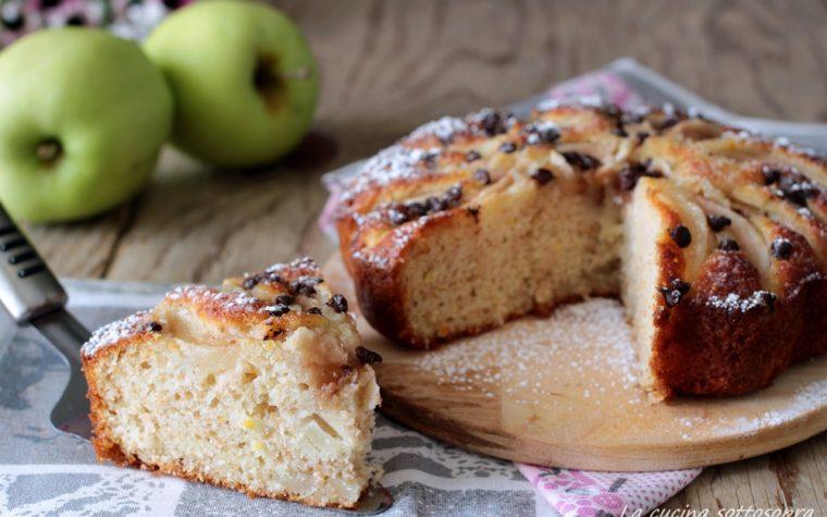 Torta integrale mele e yogurt con e senza Bimby