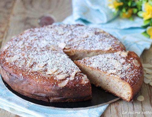 Torta di mele e mandorle senza farina burro latte e lievito