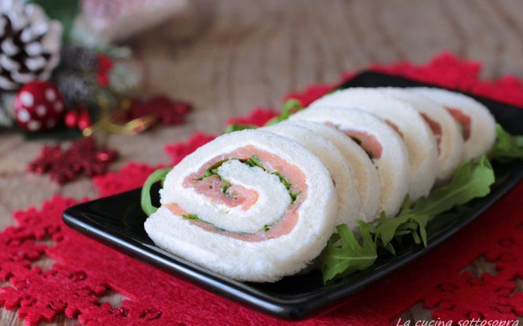 Girelle di tramezzini con salmone rucola e formaggio spalmabile