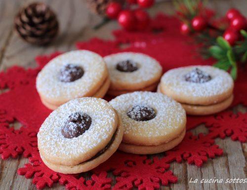 Biscotti con Nutella di pasta frolla – Occhi di bue alla Nutella