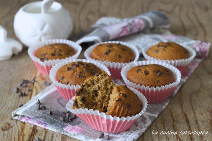 muffin al caffè e gocce di cioccolato