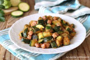 zucchine sabbiose al prosciutto in padella