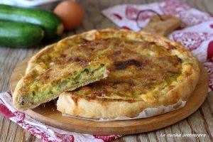 torta salata con zucchine uova e pancetta