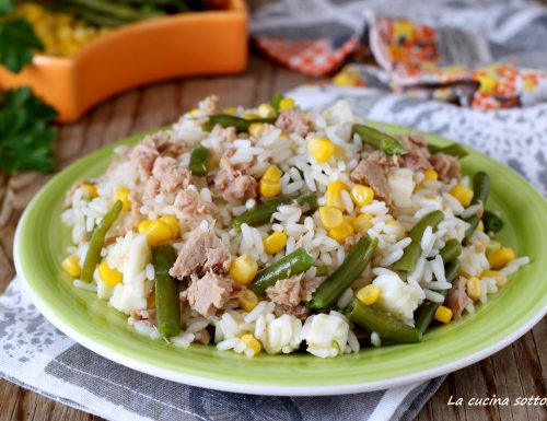 Insalata di riso con tonno mais e fagiolini
