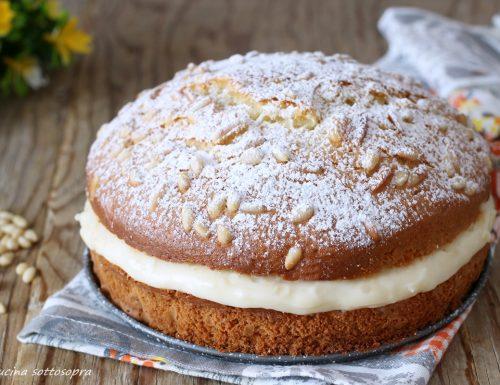 Torta crema e pinoli al bicchiere – torta morbida della nonna